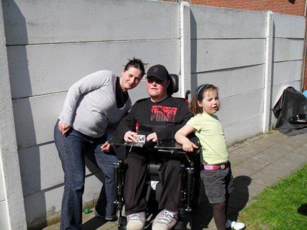 moi  et ma nièce camille et ma soeur et la maman de camille