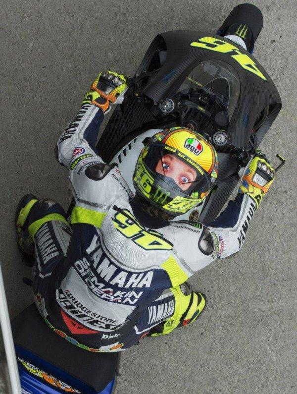 Rossi, toujours un casque original à nous sortir ^^