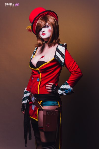 *Cosplay Mad Moxxi-Borderlands*