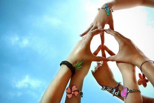 Faites l'amour pas la guerre. =)