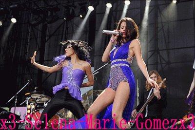 11/02/12 : Selena Gomez donnait encore un concert en Amérique du Sud à Montevidéu en Uruguay