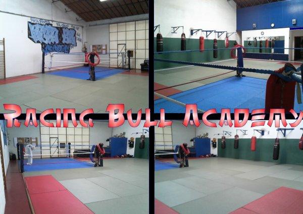 Le Racing Bull Académy (photos de la salle)