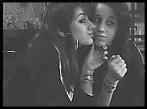 ● Bien plus qu'une simple amie elle & comme une S½ur <3  ●