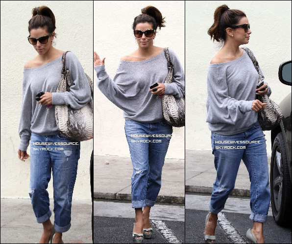 . 16 septembre 2011 : Eva sortant d'une pizzeria après y avoir manger avec Eduardo a Los Angeles ..
