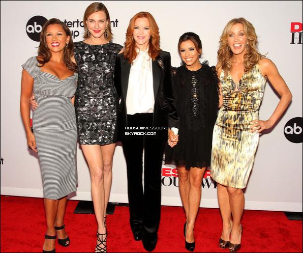. 21 septembre 2011 : Felicity, Marcia, Eva, Vanessa et Brenda a la fête de l'ancement de la dernière saison de Desperate Housewives qui a eu lieu sur le tournage de la série ..