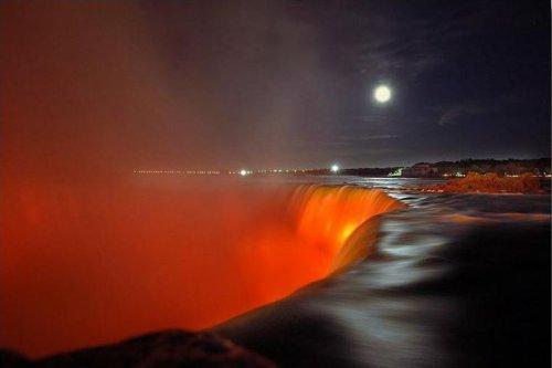 Les chutes Niagara.