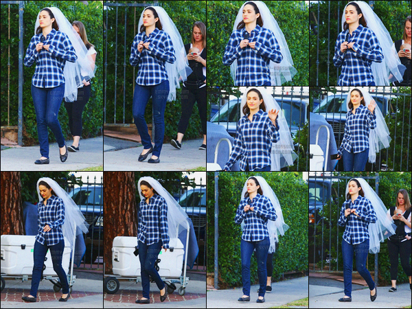 - 09/12/15 - Pour la dernière semaine de tournage de « Shameless », Emmy Rossum tournait une scène à LA C'est avec son voile de mariée que l'un retrouve le personnage de Fiona Gallagher sur le tournage à Los Angeles - la série reprendra le 10 janvier !-