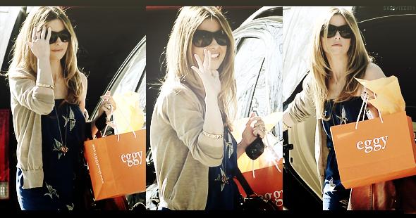 S A S S Y T E C K 5 7 ♥ ( Ta Source #1 About  Buffy The Vampire Slayer ♥ )  « Actualité 2011 De Sarah Michelle Gellar  !!! ( Morethanpeople ) » ( Ma Source Sur Sarah Michelle Gellar : Smg-France.net ) Idée : Truetalent