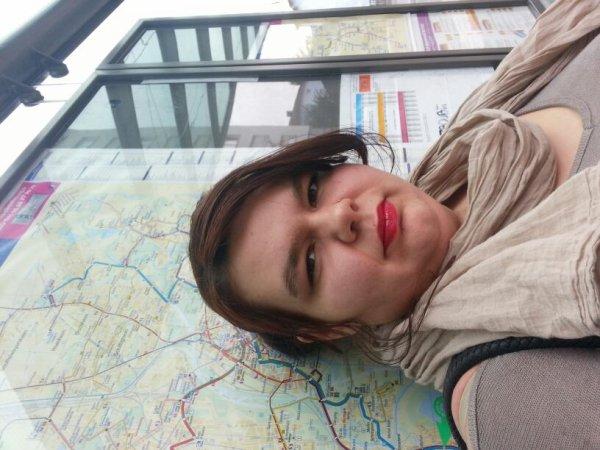 Moi en attendant le tram