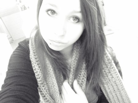 †  A day to remember  ♥  I am so lost, I am barely here. I wish I could explain myself but words escape me.    † Barbie est lesbienne.