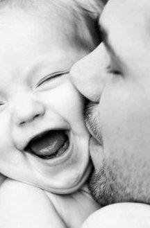 -  Les pères de famille, ces grands aventuriers du monde moderne.  -