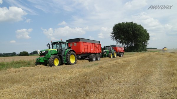 Moisson 2014 avec CX 8050 et John Deere 6150M et 6920