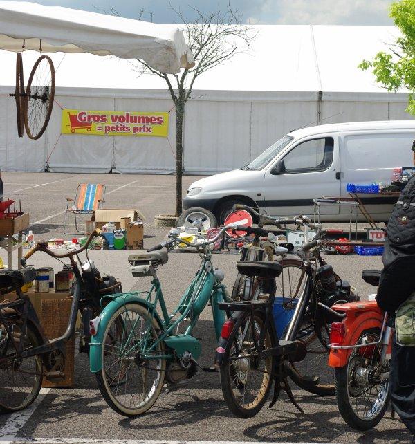 17-05-2015 Vide Garage à CORA