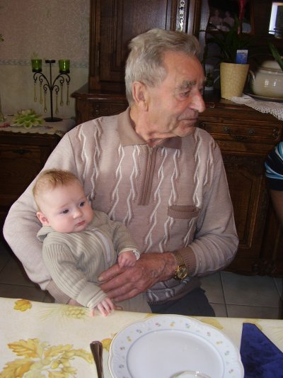 Avec son arrière grand-père