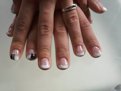 Ongle gel pose blanche deco paillette noire blog de didinails54 - Deco ongle paillette ...