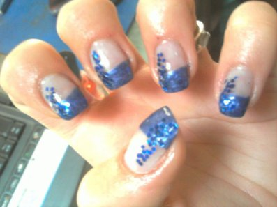 Ongles french bleu - Ongle bleu marine ...