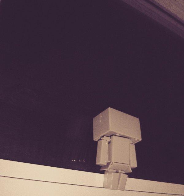 《 sa tes déjà  arrivé  de regarder par le fenêtres  levé les yeux au ciel et se dire que tout la haut il y a un monde magique un monde ou il y a des gens qui te manque ? Hein ta déjà  ressenti se manque en toi ?  quand tu regarde le ciel ? Bah moi oui je lai déjà  ressenti je le ressent souvent on a tous des anges qui son parti trop tôt  des personne qui aurai pu vivre des chose merveilleuse  des personne qui etait tout pour nous .. sa tes deja arriver de te demandé  pourquoi c'est  eux qui son parti et non pas toi ? Cest dur de perdre un proche et la seul chose qu'il faut faire c'est  rester fort et continué  la vie comme  si rien ne s'était  passer non moi je croit pas que sa devrais se passr comme sa  car c'est comme même  une parti de nous qui parti dans un autre  mon monde que le nôtre 》#theo #hakim #Florian  #papi #mamie