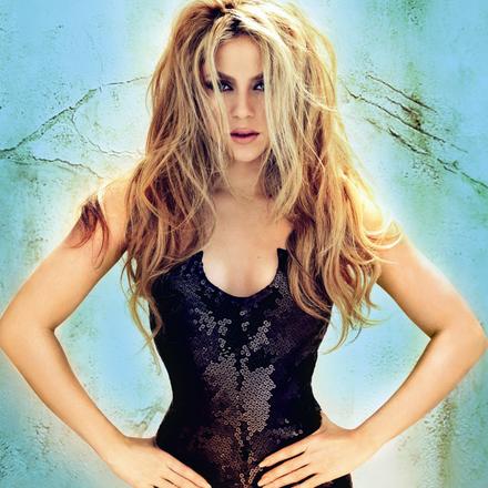 """Shakira est actuellement en tournée dans le monde entier.""""The Early Delight Tour"""", la nouvelle tournée de la chanteuse colombienne Shakira, débarquera en France du 16 novembre au 6 décembre 2010. Quatre concerts exceptionnels sont prévus, à Lyon, Montpellier, Amnéville et Paris. Les  réservations ont ouvert  le vendredi 2 juillet au matin.  Pour réserver les billet cliquez ici  Voici la liste compléte de tous ces concerts durant la tournée LA"""