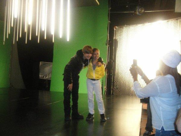 Photos de Simrin Player avec Justin Bieber (Tournage de Somebody To Love)