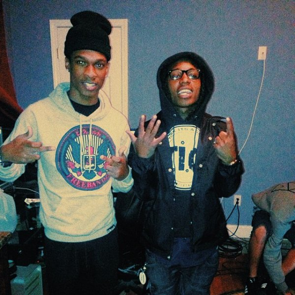 """25 Mars 2014: Jacquees s'est rendu dans une université de """"Clark"""" à Atlanta pour une session écoute de son EP 19 puis il a été interviewer par Skyy Level Media"""