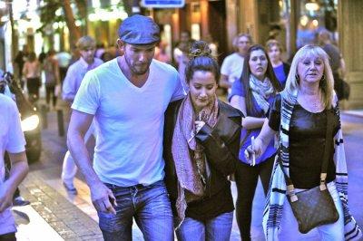 Ashley accompagnée de son styliste Richard et de sa mère Lisa dans les rues de Madrid le 23 mai