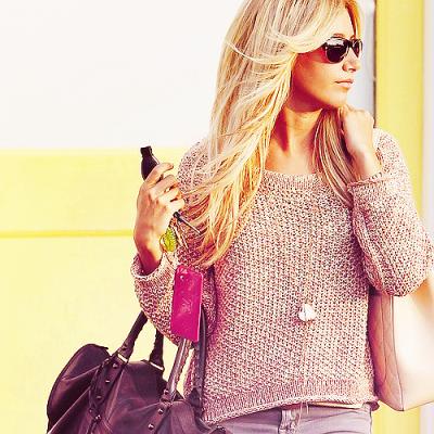Le 09/08/11 Ashley était dans les rues de Beverly Hills