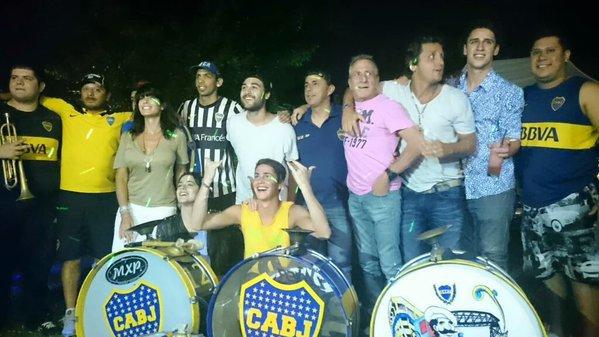 Tini - Retour à Buenos Aires et fêtes avec sa famille et ses amis