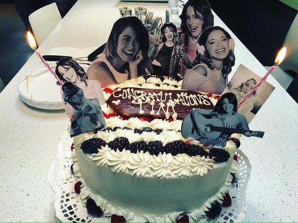 Tini - Los Angeles avec sa famille et Mechi