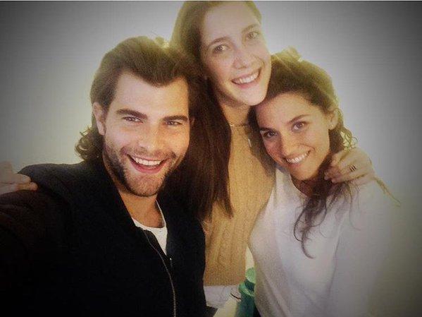 Retrouvailles - Mechi et Cande / Clara Diego et Alba