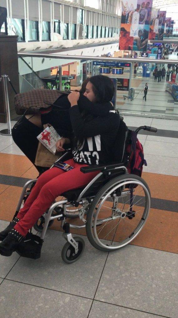 Tini - Départ pour Londres