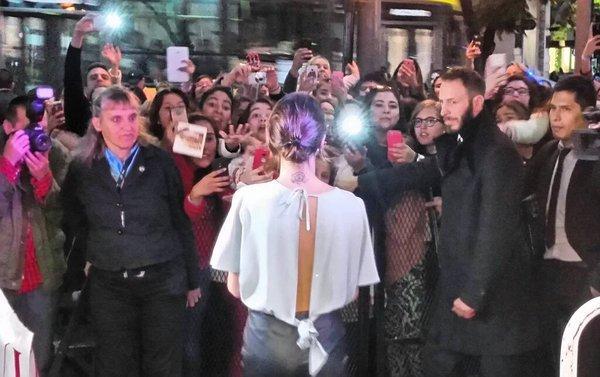 Tini - Séance de dédicaces de son disque, Buenos Aires