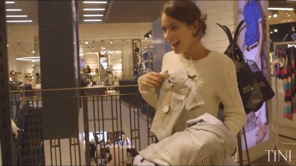 Tini YouTube - Shopping avec Rebecca la styliste
