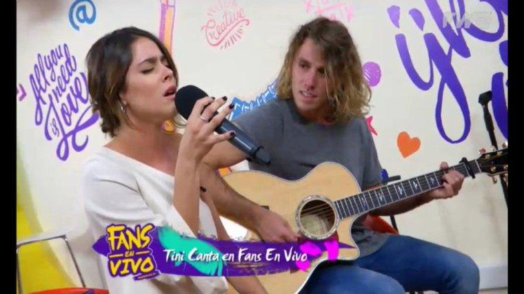 Tini et Cande - Fans en Vivo