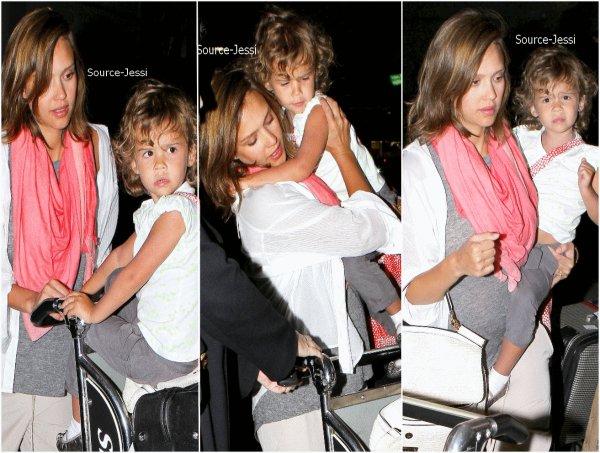 14/05 -  Jessica & Honor a à LAX aéroport, revenant du Mexique.