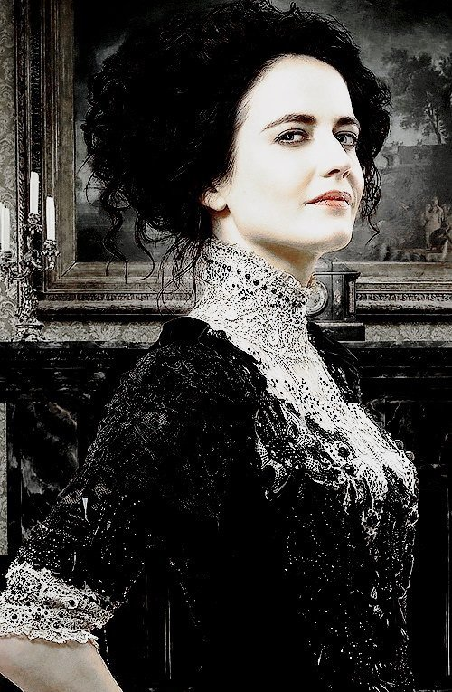 ● ● Penny Dreadful