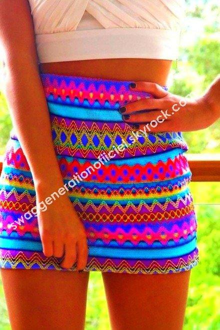 Très belle jupe avec de très beau motif