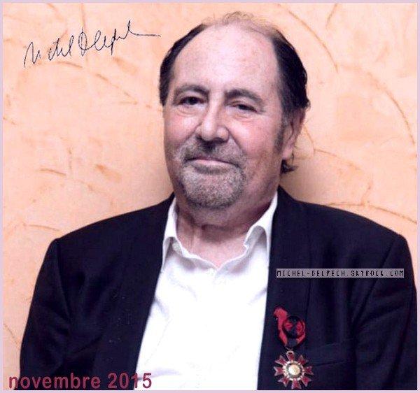 En novembre 2015, il reçoit la médaille du Mérite Congolais