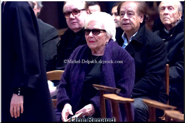 Obsèques de Michel Delpech : stars, proches et politiques ont dit adieu au chanteur