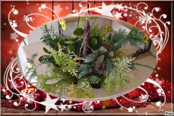 composition florale fais par mon fils dylan a lecole pour noel .bravo mon loulou jtm