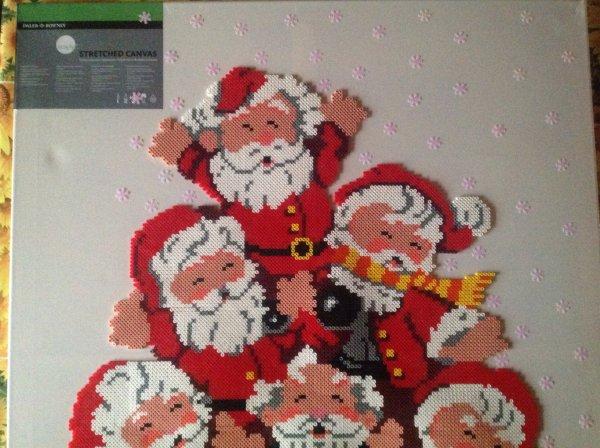Début de la Décoration des flocons de neige sur mon tableau des 6 péres Noël.