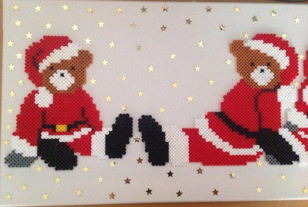 Tableau des ourses de Noël avec des étoiles Finie.