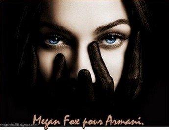 13 Mars 2011    Megan Fox et sa petite famille on été vu à un match de baseball. Côté tenue, Megan à fait fort, une robe noire acco-mpagner d'une ceinture marron et un collier le tout avec ses grosse chaussure et ses très grande chaussette, c'e-st un grand Top ! Pour toi c'est plutôt, Top,Bof,Flop ?