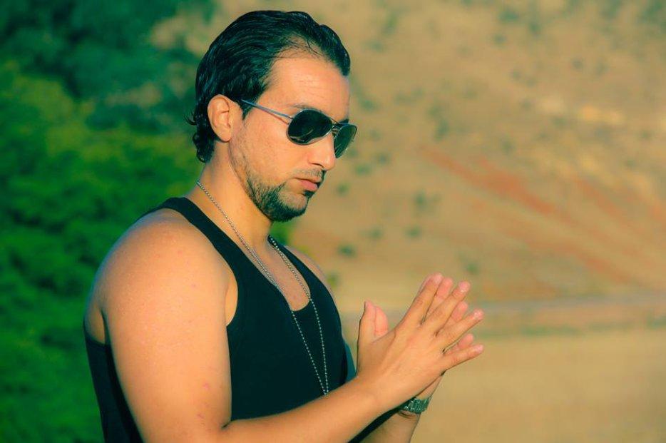 Young Tarik- sahran al wa7di -la tkhallini - 7ayar li lbal(RADIO EDIT)