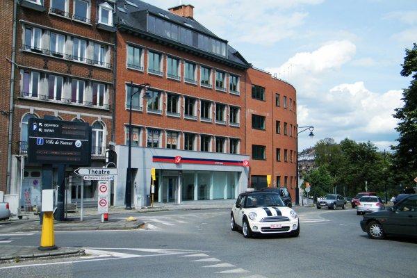 Namur rue golenvaux 43 nouveau bureau de poste face au confluent meuse namuroise - Bureau de poste belgique ...