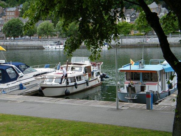 Le stationnement des bateaux de plaisance à Namur....