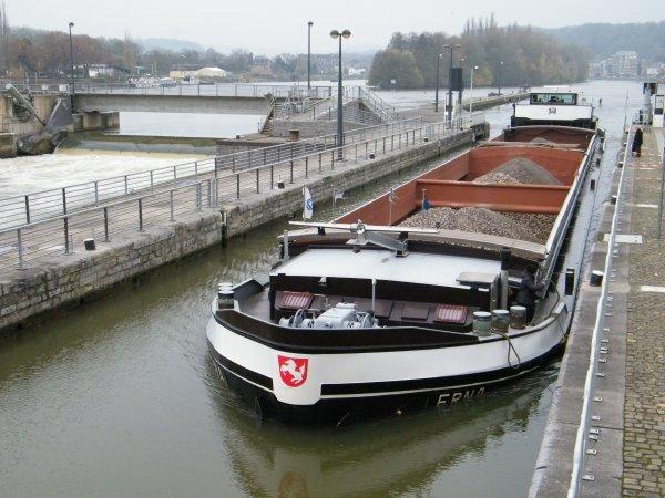 ERNA II (NL) Maasbracht (R.Tromp) - GT.1044 - 77,00 m. 8,20 m. de retour de Lustin