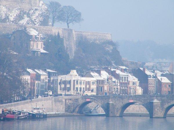 Namur sous la neige avant la Saint-Nicolas...