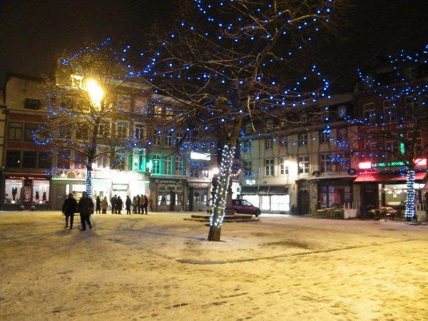 NAMUR à nouveau sous un manteau blanc à une semaine de la Noël.