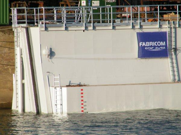 Batardeau flottant pour FABRICOM à destination des barrages de la Haute Meuse.