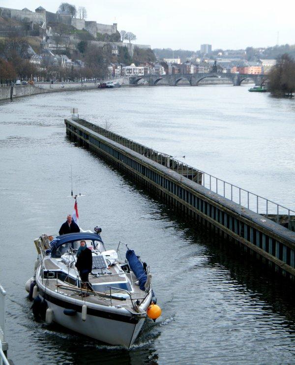 ANYWAY (NL)Hellevoetsluis - Notre 1er plaisancier hollandais de l'année à l'assaut de la Haute Meuse